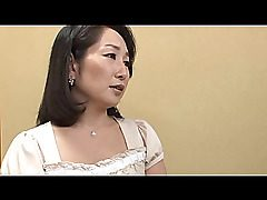 Mature Chinese super-steamy mommy seducing a youthfull dude with her..