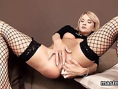 Unusual czech cutie opens up her tight snatch to the 51mJa